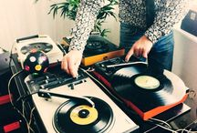 dj pictures / Playing vinyl