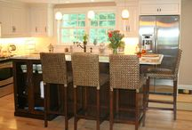 kitchen islands / by Tracy Biggs