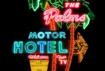 Neons motel et bar