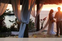 Fiji Weddings / Dream destination beach weddings in the Fiji Islands. Simple barefoot beach weddings to big glamorous weddings, Fiji offers a wide variety of options that cater to every beach brides needs.