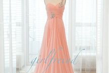 Dresses/Clothes / by Delaney Mahan