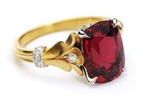 Jewelry / by Samantha Schuermann