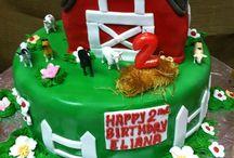 Cake / by Tanya Meilleur