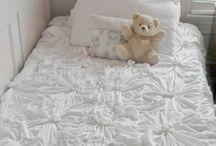 Bedding (linen etc)
