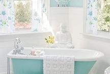 Bathrooms / by Raquel Ott