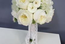 Buticul cu flori