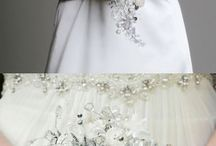 Wedding Bouquets and Flowers / Beautiful wedding bouquets for any season or style of wedding. Our favorite flower ideas for centerpieces, boutonnieres for your dream wedding.