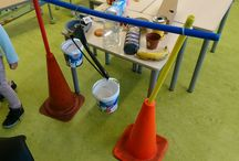 Wegen met kleuters / Allerlei activiteiten en ideeën om materialen te wegen samen met kleuters.