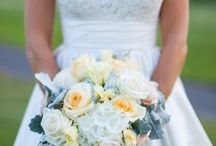 Wedding Dress / by Emily Hellmann