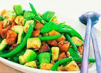 Food- Salads / by Corah Mawere