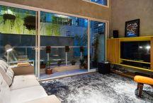 Ruang Tamu/Ruang Keluarga / Temukan inspirasi desain ruang tamu dan ruang keluarga impian anda dalam berbagai gaya: Mediteran, Modern, Tropis, Eklektik, dsb;  hanya di homify.