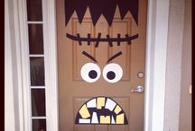 Halloween Decorations / by Christine Raffin-Smith