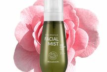 Facial Mist / Beaudiani is always interested in various forms of  life around us and will seek the healthy and natural beauty not from the chemical formula but from Nature.
