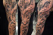 Tattoos biomechanika