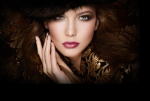 Maquillage/Ongles/Coiffure / Maquillage, accessoires, produits de beauté.... / by Emilie Dubut