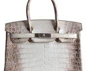 WOMEN'S HANDBAGS / Latest And Best Selling  Handbags For Women