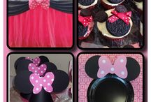 Party - Minnie Mouse / by Michaela Dollar