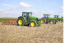Demonstrație în câmp 2015 / Ne-am delectat cu o demonstrație în câmp a celor mai puternice utilaje agricole Maschio Gaspardo. Alături de echipele Maschio Gaspardo și Z&A Logistic, au fost prezenți peste 40 de fermieri din zona Chișineu-Criș
