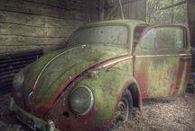 Scheunenfunde / Immer wieder tauchen schlafende Oldtimer-Schönheiten und verlorene Automobil-Schätze in alten Scheunen und Garagen auf.
