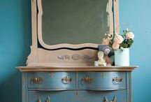 Antiques / by Amber Weekly