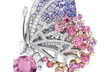 Beautiful/Glittery jewelry I truly like / by Amy Cliber