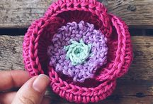 Crochet flowers / A collection of all the flowers I have designed, crocheted and wish to make. My own little field of flower.