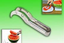 Нож для резки арбуза / Если вам надо без хлопот порезать спелый,  сочный арбуз то именно такой вам нужен нож.