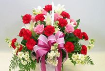 Florist in Chennai / lower shop18 provides you facilities with which you can send flowers to Chennai. In the era of technology people meet on the internet, become friends and eventually fall in love. Love deepens and finally due to distances fades away. Do not let your love fade away just because of these miles that separate you.