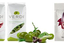 Olive Packaging(Emballages D'olives) / Our olive packaging bags can be water resistant and they can protect the olives during transportation and storage process. Swiss Pac produces olive packaging bags with high barrier films so that your olives can be protected from harmful bacteria. Our bags can be able to maintain the natural flavor of olives and are moisture puncture resistant.