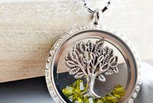 Floating memory jewelry