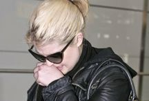 Kelly Osbourne sigue llorando la muerte de Joan Rivers