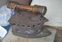 Molinillos, Planchas, Maquinas de coser. / Decoración de materiales antiguos. www.manualidadespinacam.com