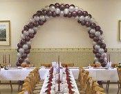 Luftballon-Deko / Aus Luftballons könnt Ihr für jeden Anlass tolle Dekorationen gestalteten. Ob #Jubiläum, #Geburtstag, #Hochzeit, drinnen oder draußen - hier findet Ihr passende Ideen für viele Events.