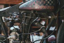 Vintage Harley-Davidson Racers