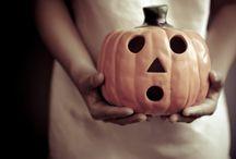 """Día de Todos los Santos o Halloween / Ideas para elaborar recetas el día de Todos los Santos  Si eres de las personas que celebra Halloween también tienes fantásticas ideas para elaborar dulces """"terroríficos""""."""
