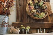 Wreaths - Pallet Canvas Inspiration / by 48 BY 40