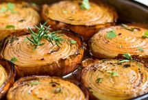 Brown soup baked onions