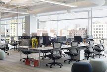 Móveis para Escritório / Confira muitos modelos de móveis para escritório de advocacia e veja móveis para escritório pequeno também. Confira nossas dicas de decoração de sala comercial, veja muitas imagens de decoração de escritório feminino e também decoração de escritório pequeno. Saiba como decorar com decoração de escritório simples e muito mais! Aproveite! #moveisparaescritorio #moveisparaescritoriopequeno #decoracaodesalacomercial