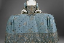 18thC: Court Mantua / Those crazy English court gowns... Square hoops and skirt then vestigal train attached to a pleated and stitched bodice.