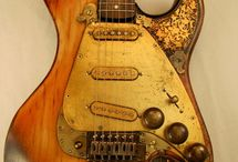 Steampunk Guitar Prj Cake