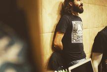 TOO HEAD OFFICIAL ROCK T-SHIRT / Through our t-shirt