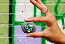 Travel Stones / Handpainted Travel Stones are perfect gifts for travelers. You can travel along in your thoughts & stay conected! Hopefully you will receive some Travel Stone pictures of the most beautiful places. Also check out the 'Travel Stones on tour' board to see where other Travel Stones have traveled to!