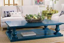 Verf je tafel en stoelen / painting chairs-tables / Geef je oude tafel en stoelen een nieuw leven met een likje verf!