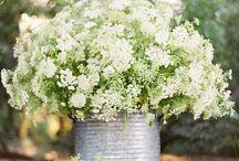 Natural wedding flowers