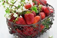 Erdbeeren / by LiA ~*~*~