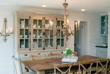 Dining Room Design / Dining room designs to inspire you to have gatherings with your family and friends.