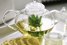 herbs 4 teas & drinks / by Melody Gee