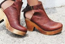 Lovely shoes / Beautiful leather shoes with a touch of the bohemian.