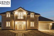 Projekt domu Magnat / Projekt domu Magnat to reprezentacyjna stylowa willa, nawiązująca do stylistyki dworków i willi międzywojennych. Swój ponadczasowy styl łączy z nowocześnie i funkcjonalnie zaprojektowanym wnętrzem. Dom jest prostokątną, parterową bryłą z poddaszem użytkowym oraz dobudowaną częścią garażową. Budynek został przekryty czterospadowym dachem.