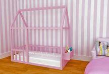 Montessori Yer Yatağı- Montessori Bed / Dünyada sıklıkla uygulanan İtalyan Montessori Öğretisinde çocuklarımızın odalarında yer yatağı kullanılmasının önerildiğini biliyor muydunuz?  Üstelik artık  Bebeklerinizi artık karyolasından düşme korkusu olmadan uyumaya bırakabileceksiniz...   DİLEDİĞİNİZ ÖLÇÜ ve RENKTE SİZE ÖZEL ÜRETİM... KORKULUKLU (YANDAN YA DA ÖNDEN) KORKULUKSUZ ALTERNATİFLERİ İLE..